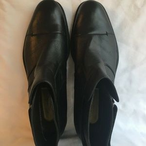 Kenneth Cole Wet Weather Cap Toe Ankle Boots 10.5M